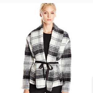 BB dakota black and white plaid coat. Size medium
